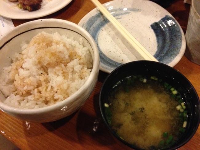 裏メニューのタレ飯と味噌汁